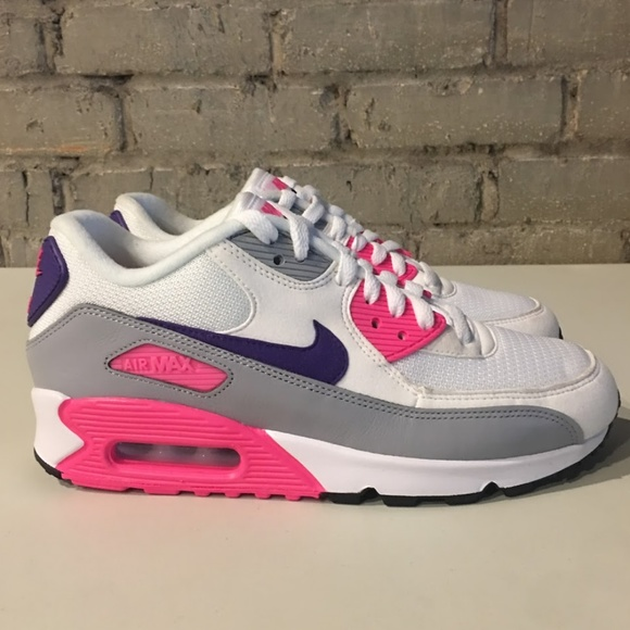 c0f9fa2b133 Nike Air Max 90 Trainers Women s Shoes Size 8